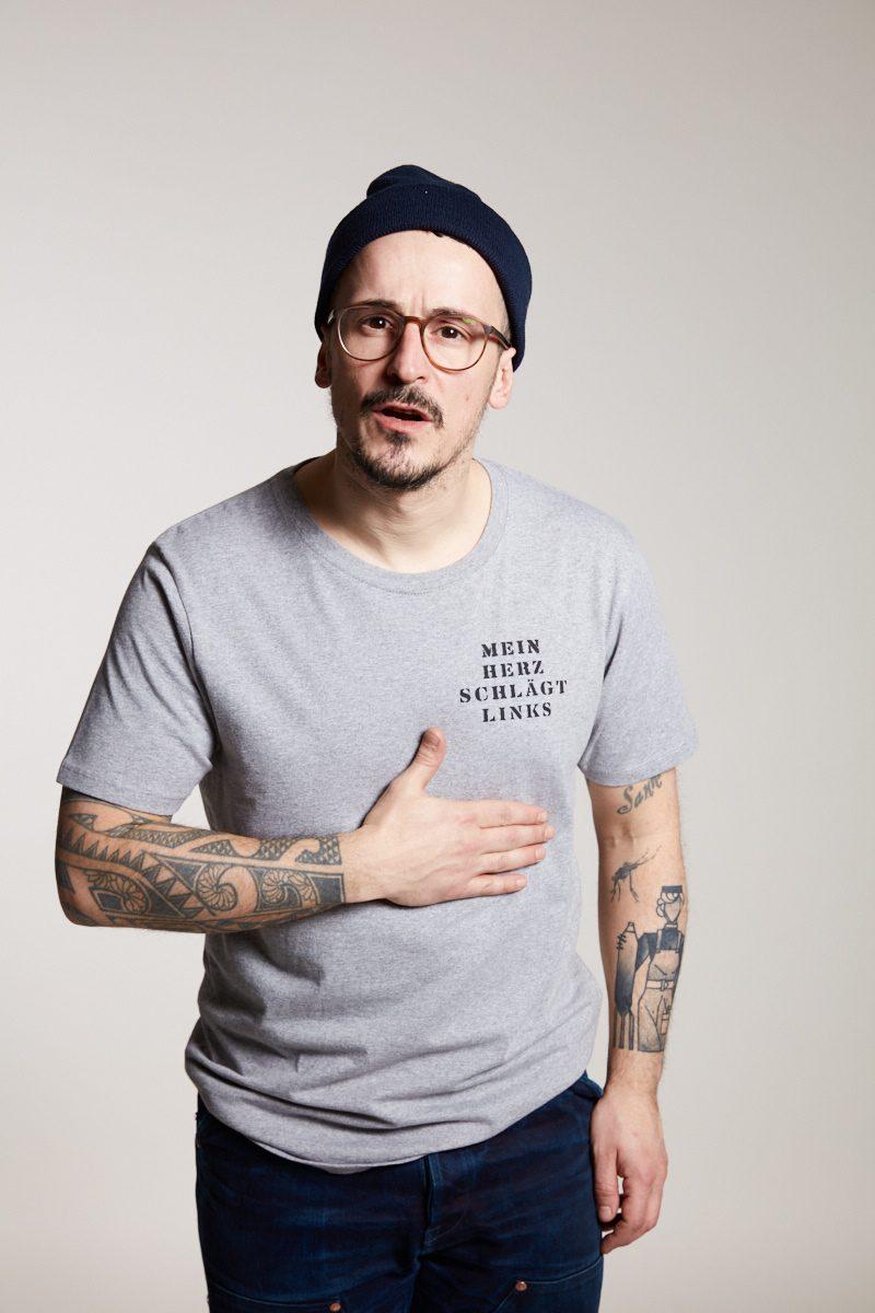 Mein Herz schlägt links Herrenshirt von Elternhaus, fair fashion made in Hamburg