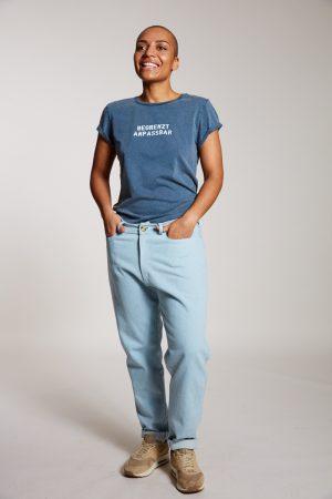 BEGRENZT ANPASSBAR - Damenshirt von Elternhaus, fair fashion made in Hamburg