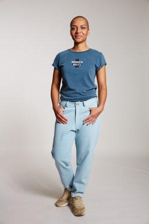 DENKEN HILFT - Damenshirt von Elternhaus, fair fashion made in Hamburg