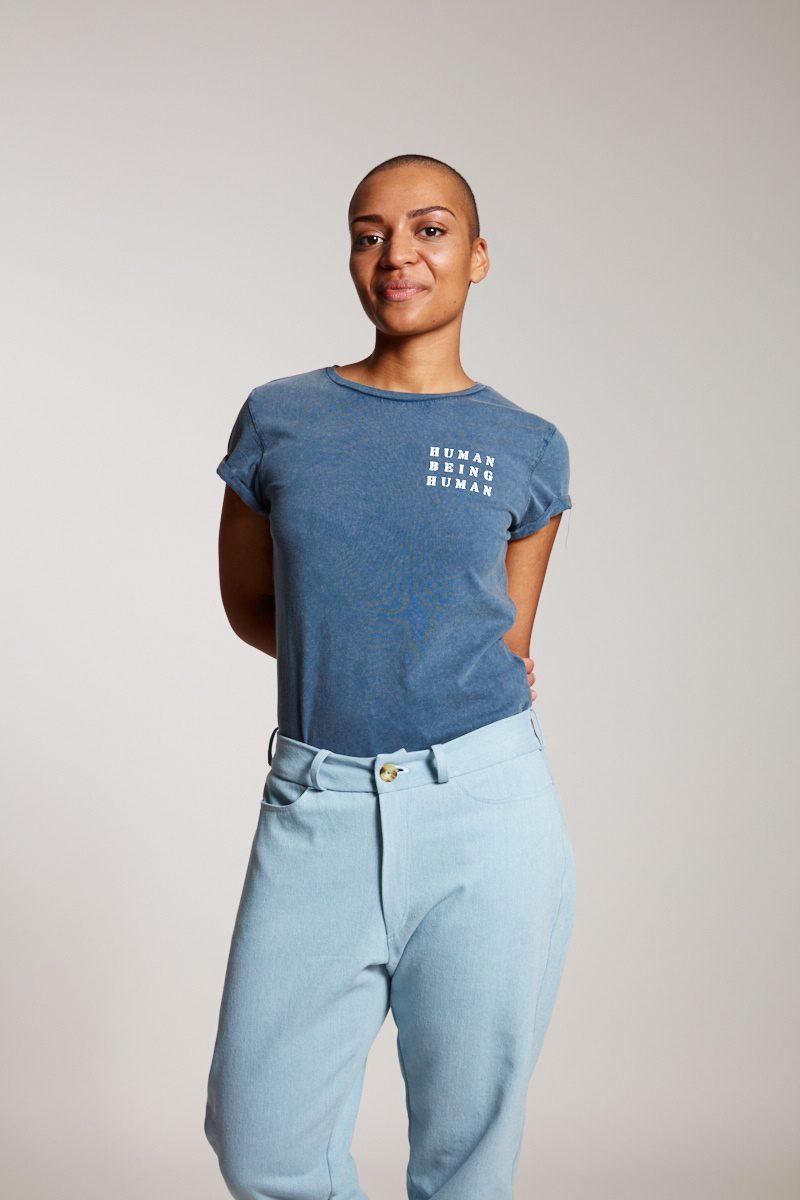 HUMAN BEING HUMAN - Damenshirt von Elternhaus, fair fashion made in Hamburg