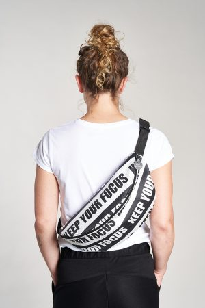 "Oversized Hipbag ""Keep Your Focus"" Elternhaus, fair fashion made in Hamburg"